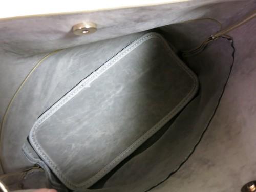 バイカラーの親バッグの内側