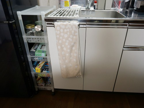 シンクと冷蔵庫の間Before