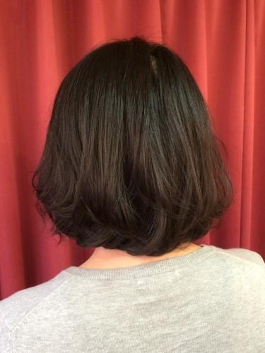肩より短くなった髪